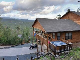 Ain't No Better View has spectacular mountain views, AC, and a hot tub - Ruidoso vacation rentals