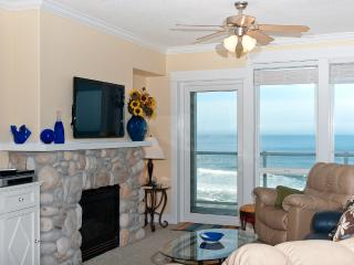 Top Floor Oceanfront Condo-Hot Tub-Pool-WiFi-HDTV - Lincoln City vacation rentals