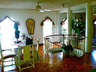 1st ClassVilla best location,  From $79/night - Woodston vacation rentals