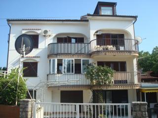 Apartman Karinovo - Malinska vacation rentals