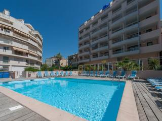 Studio with swimming pool - Cannes vacation rentals