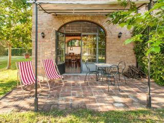 Villa Ferranino Townhouses-Fra Angelico - San Giovanni d'Asso vacation rentals