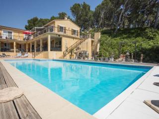 Dali appt-heated pool - Maussane-les-Alpilles vacation rentals