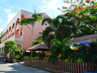 La Paillote Guesthouse - Phe vacation rentals