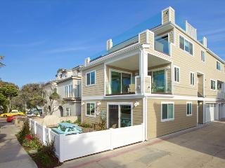 #715B - Brand-new, luxurious, 2 units, 100 feet from ocean - Mission Beach vacation rentals