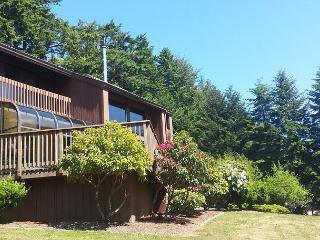 Fairway Lodge  - Elegant 3 bdrm Home on the 18th Hole - McKinleyville vacation rentals