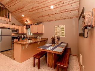 Newly Remodeled near the Lake! Slps 10|WiFi|3BR+Loft|Specials!! - Ronald vacation rentals