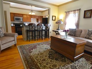 Gorgeous 2 Bedroom Condo in the heart of Saratoga - Saratoga Springs vacation rentals