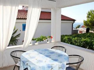 Apartments Ana - 21561-A1 - Zaboric vacation rentals