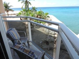 Studio with a view - Maho vacation rentals