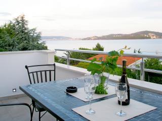 Apartments Žarko - 46301-A1 - Seget Vranjica vacation rentals