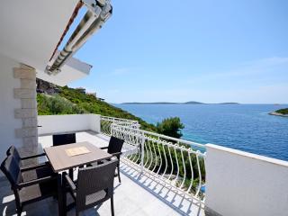Villa Sine - V2291-K1 - Vinisce vacation rentals