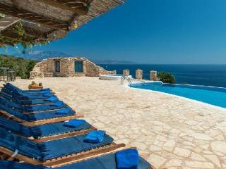 Superb sea view Deep Blue- stone house with sea access & hydro-massage pool - Agios Nikolaos vacation rentals