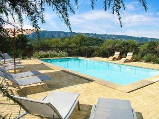 Wonderful Provencal Home La Colline overlooking the countryside with fenced pool & terraces - Luberon vacation rentals