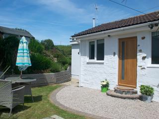 Detached Cornish cottage close to the sea - Newquay vacation rentals