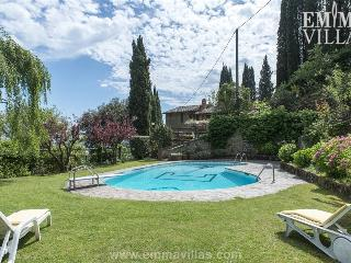 Wonderful 3 Bedroom Vacation House in Tuscany - Montevarchi vacation rentals