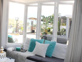 PALM BEACH, The Guest House Modern World - Palm/Eagle Beach vacation rentals
