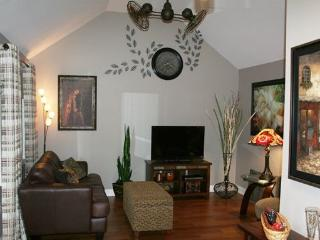 PRIVATE GUEST HOUSE -Erie Shore Wineries-Golf-Tour - Harrow vacation rentals