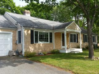 July 4th Discount - 5 Bedroom Ranch Sleeps 14 A/C - West Yarmouth vacation rentals