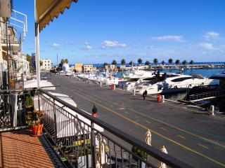 CHARMING SEA VIEW APARTMENT - Imperia vacation rentals