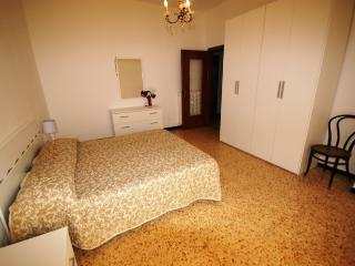 LOVELY APARTMENT 700M FROM BEACH - Imperia vacation rentals