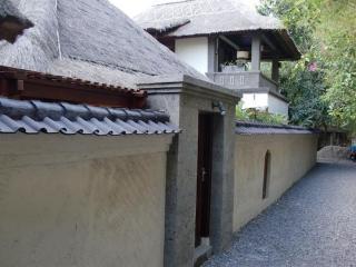 3 Bedroom villa, in heart of Seminyak, Bali - Kuta vacation rentals