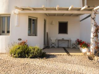 Shades of white for 2 to 3 persons - Emporio vacation rentals