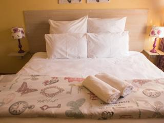 Lolo's cosy & modern two bedroom apartment - Harare vacation rentals