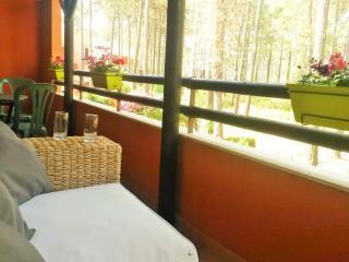 AROEIRA GOLF AND BEACH APARTMENT - Charneca da Caparica vacation rentals