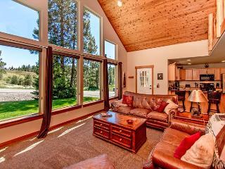 Upscale Cabin in Roslyn Ridge *Summer Specials* 3BR/2BA, WiFi! - Roslyn vacation rentals