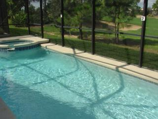 Spa pool villa with golf course views - Haines City vacation rentals