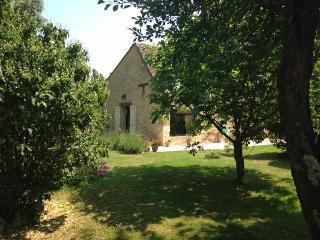 16TH CENTURY PERIGOURDINE GITE WITH POOL, DORDOGNE - Bergerac vacation rentals