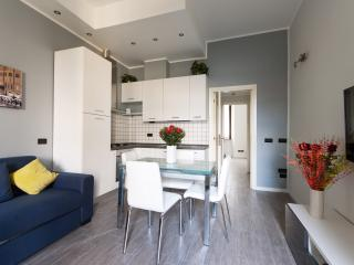 MODERN AND BRIGHT PORTA ROMANA FLAT - Milan vacation rentals