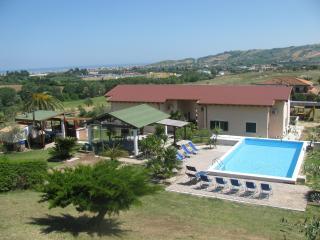Il Villaggio Del Re (2° flat) - Alba Adriatica vacation rentals