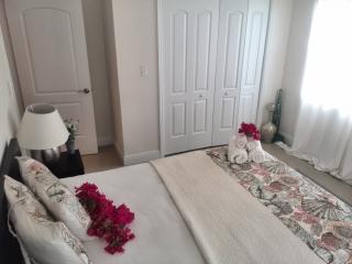 Modern 3 Bed Hideway - Nassau vacation rentals