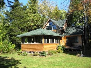 Secluded wooded home on the lake w/elegant decor. - South Hero vacation rentals