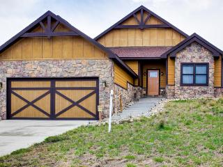 Single-level family home on golf course, near recreation! - Granby vacation rentals
