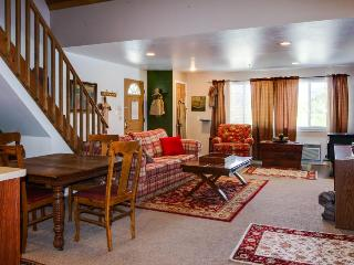 Charming farm cottage for six, close to Leavenworth! - Leavenworth vacation rentals