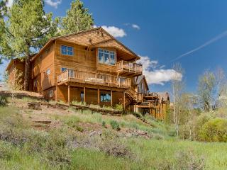Spacious home overlooking pond, with a private hot tub! - Truckee vacation rentals