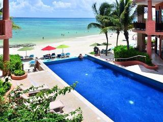 Oceanfront 3 Bdrm with pool!! Luna Encantada B2 - Playa del Carmen vacation rentals