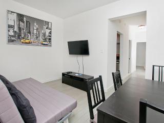 2 Bedroom near Midtown Manhattan - Manhattan vacation rentals