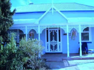 ELLA'S PLACE - A HISTORICAL, QUIET AND COMFORTABLE - Broken Hill vacation rentals