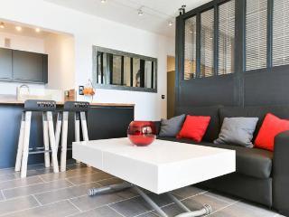Appt de Jimmy et Sandrine Port de Bormes! - Bormes-Les-Mimosas vacation rentals
