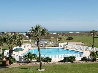 3 bed 2 bath condo at wonderful Island Retreat! Community pool, beach access - Port Aransas vacation rentals
