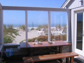 Charming Oceanfront Home in Seadrift - Stinson Beach vacation rentals