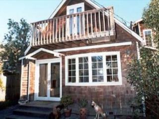 Adorable, upgraded cottage just a few steps from the beach - Stinson Beach vacation rentals