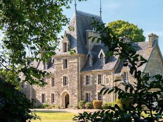 Chateau Quelennec - Le Cloitre-Saint-Thegonnec vacation rentals