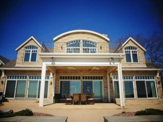 LONG-TERM ONLYLuxurious Sandy Beachfront Lake Erie - Toledo vacation rentals