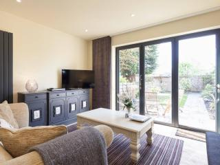Luxury 2 bedroom House in Edwardian Square - Salford vacation rentals