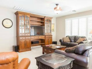 Spacious 3 B/R home for up to 8, nicely furnished - Chandler vacation rentals